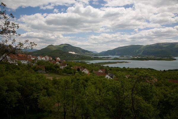 Alles zeigt sich nicht wie man sagt, dass sie sich zeigen werden. #Bosnia ist wunderschön! #IheartBosnia #KU_WWI http://t.co/huPOCtUtrF