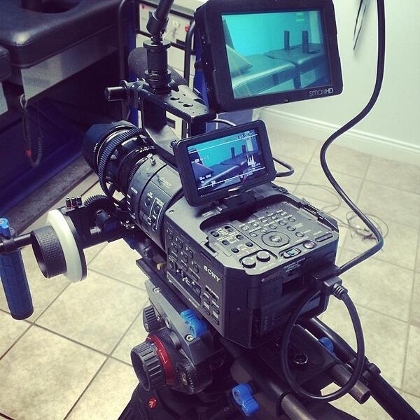 On set ! #sonyfs700 #sony ##hd #4k #smallhd #zeiss #manfrotto #redrock #work #startconcepts http://t.co/GmbMMgi2oE http://t.co/yN6tzUZVKB