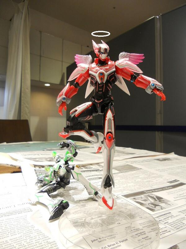 遅ればせながら、特別展「The World of TIGER and BUNNY」東京会場開催を記念して、F6 Style2のバーナビーも控え目に天使化してみました。 たまたま、いい翼のパーツが手に入ったので思わず・・・。