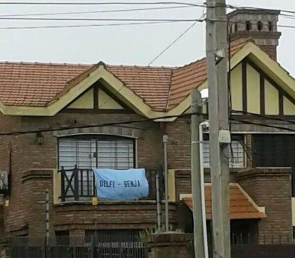 Ovaci n on twitter la bandera en el balc n de - Casa de messi en castelldefels ...
