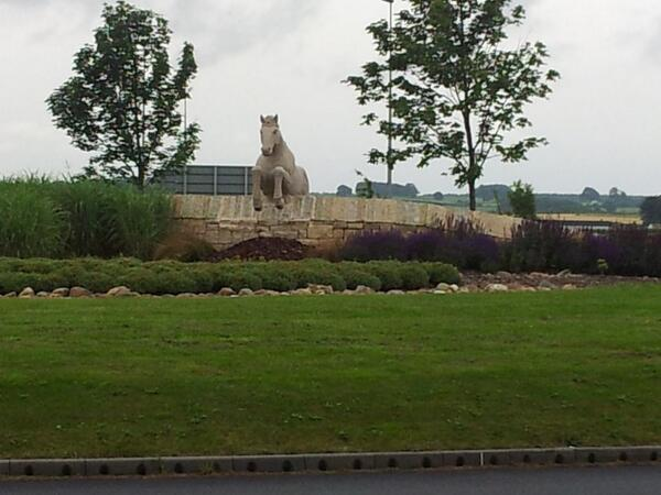The new stone horse on the roundabout at Wetherby shows the towns racing connections http://t.co/dqKzneMMae