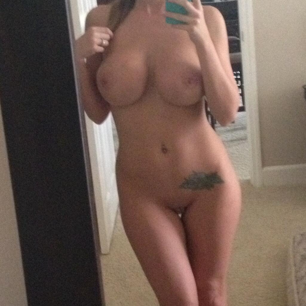 Sorry, attractive girl nude selfie accept