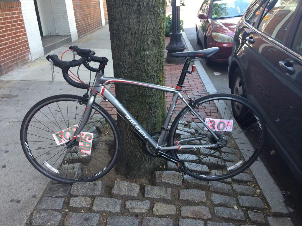 Twitter / kehutchinson: Anyone recognize this bike? ...