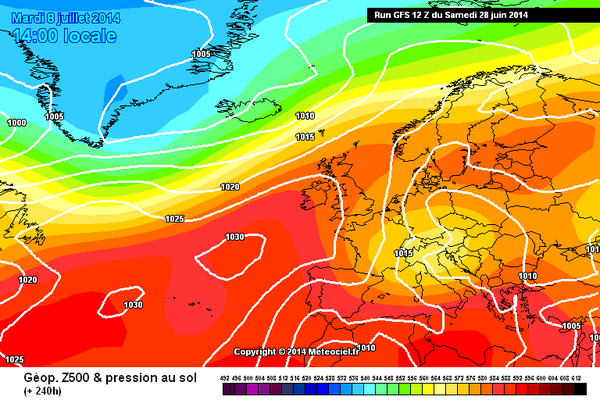 I like the look of this chart for July 8th #fingerscrossed #highpressure #summer http://t.co/EDNKRZXWMr