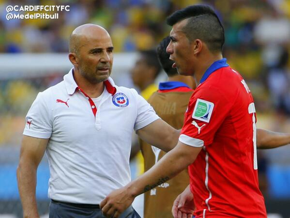 Doing club and country proud. #CardiffCity & #CHI Gary Medel. http://t.co/KvtE5VsrXy