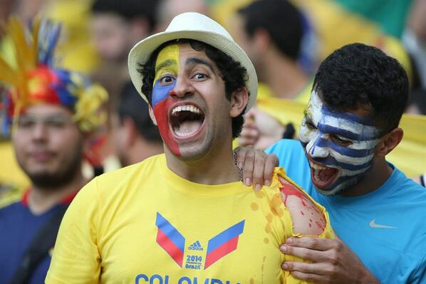 #FOTO: En el Colombia vs Uruguay 'muerden' en las tribunas http://t.co/CNb13emQcJ | EFE http://t.co/qBypARW2nj