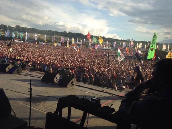 This is how many people still like @Manics #Glastonbury http://t.co/CHpHbjWlhD