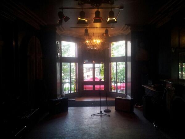 Teen Violence on Twitter \ Doors pub in Hamilton. On at 11. Vibey e. Good stuff. //t.co/h7Mhlsnluz\  & Teen Violence on Twitter: \