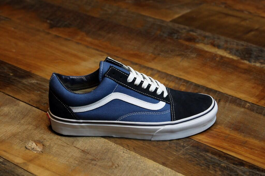 3374c10559 vans old skool original navy   Come and stroll!