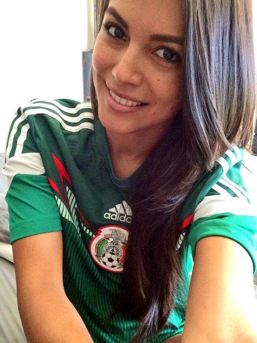 Vamos #conTodo !!! #Mexico #mexicovsnetherlands #worldcup #brazil2014  #raquelpomplun @playboy #pmoy2013
