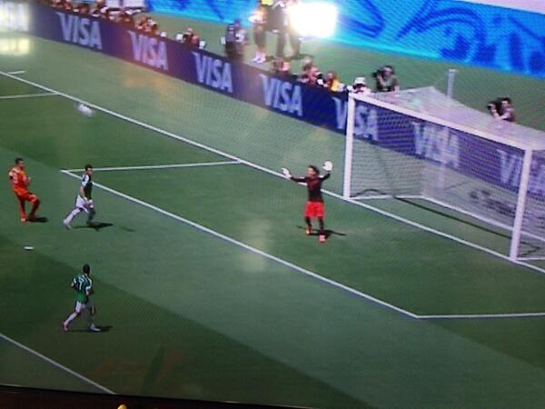Why is the Mexico keeper dressed as Mickey Mouse? #HOLvsMEX #WorldCup2014 http://t.co/71g5hw6xcM