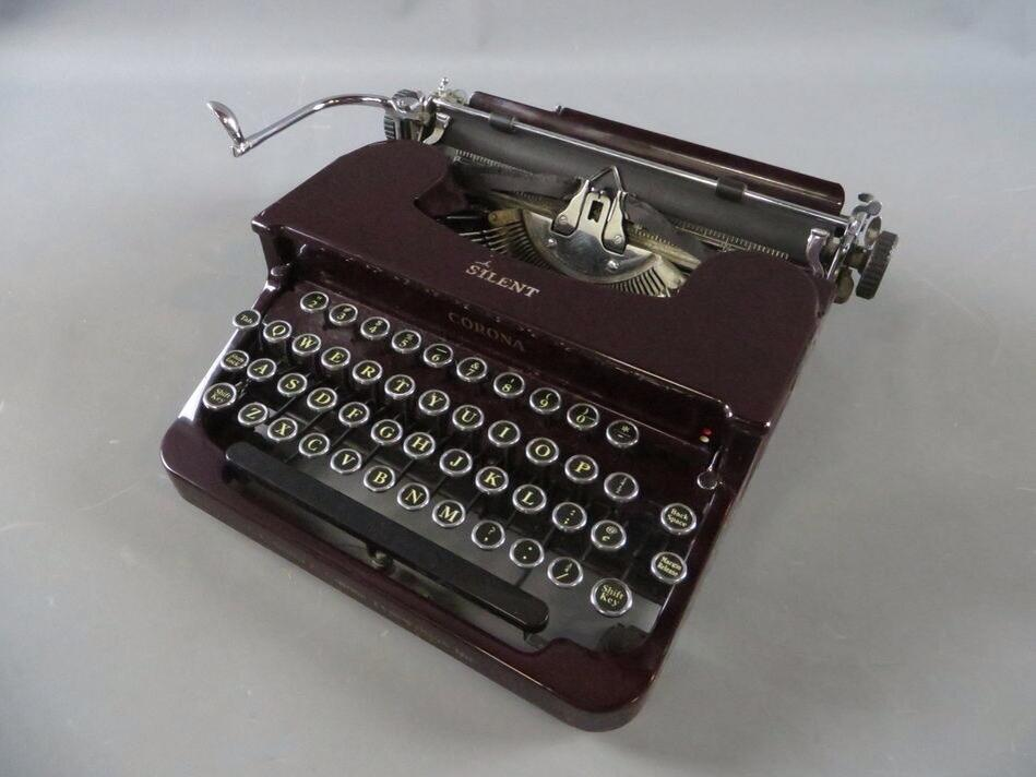 Twitter / edeckers: My new birthday typewriter! ...