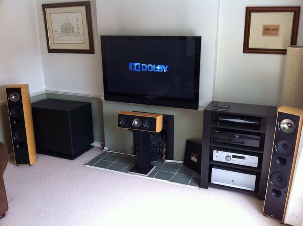 @whathifi #WHFsystems pioneer plasma,  @KEFAudio XQ speakers, @ArcamUK AV9 & P7 @SVS_Sound PB12 plus/2 Sony 5000esBDP http://t.co/uy0MptGzrr