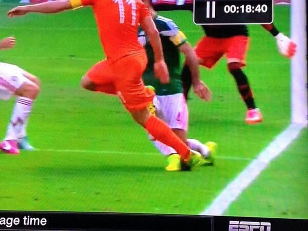 Last 16: Netherlands (1B) vs Mexico (2A) 29.06.14 18:00 - Page 6 BrUZsKoCMAAPbjh