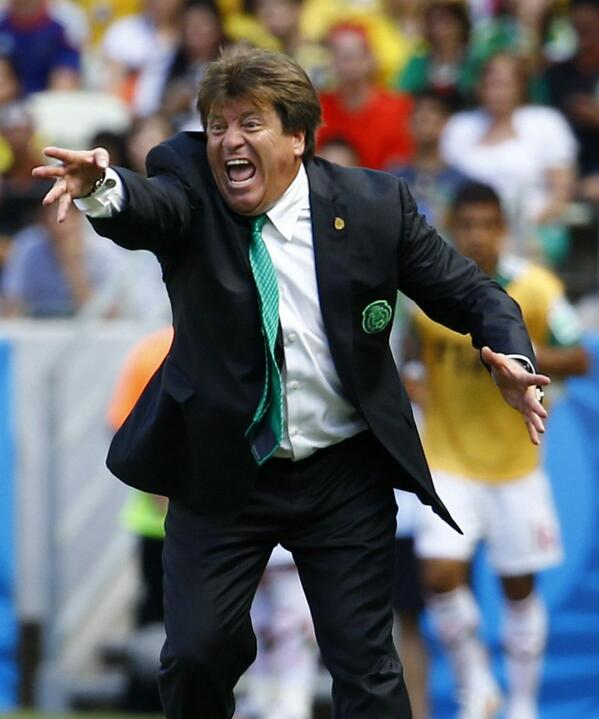 Mexico boss Miguel Herrera embarks on referee rant after Holland defeat [Marca]