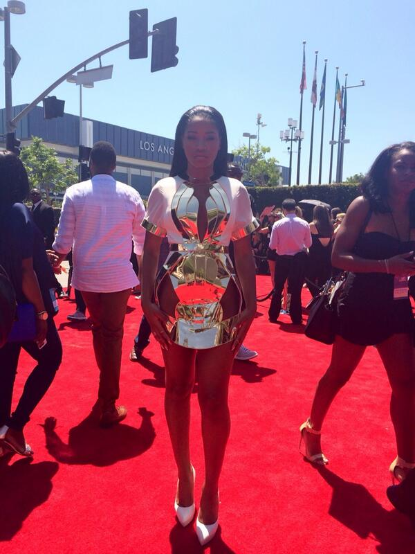 #KekePalmer has arrived to the red carpet. http://t.co/8TRLiSA7mq