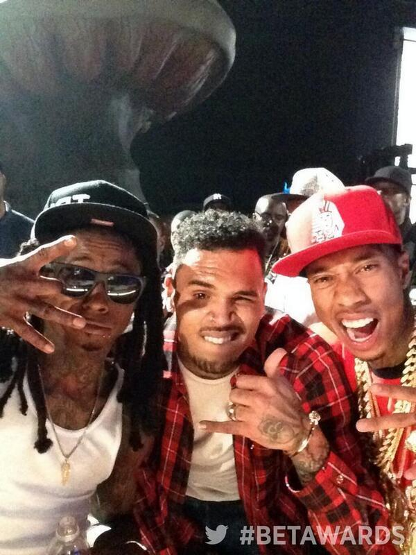 Here's a DOPE picture of Chris Brown, Tyga, and Lil Wayne tonight at the BET Awards - http://t.co/MSl6fI682w