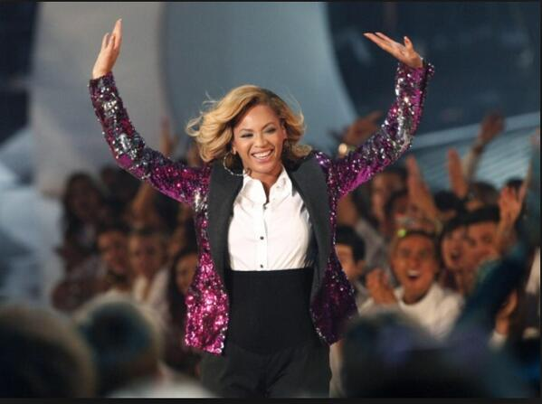 Lil Wayne imma let you finish but Beyonce had the Best mic drop of all time #BETAwards http://t.co/nVaWTNr6Zm