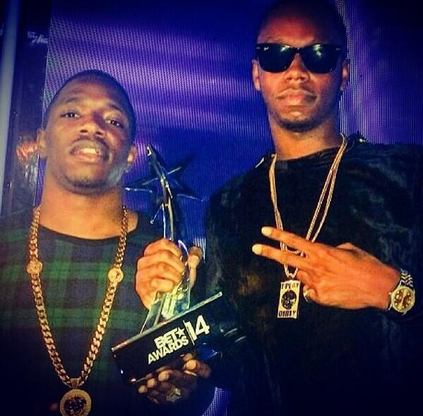 Congratulations to @kreptplaydirty & @konanplaydirty on winning a BET Award for best international act UK! #BETAwards http://t.co/mpY3rgx92B