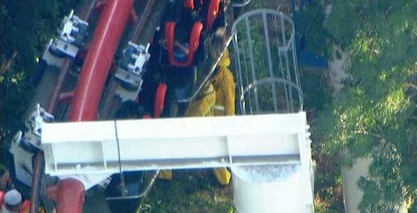 WATCH LIVE: 4 hurt in accident on ride at Six Flags Magic Mountain: http://t.co/QmxL9wNCFE http://t.co/tEc9nAIPXH