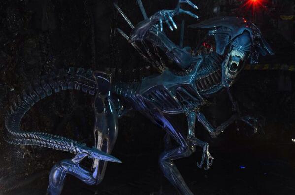 NECA's Alien Queen BraEy43CUAAII5y