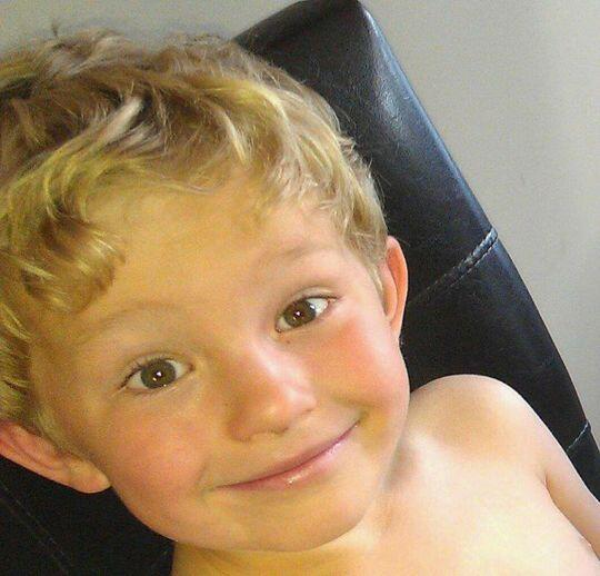 Amber Alert issued for missing 5-year-old Nathan O'Brien. More to come.http://t.co/zgEnAaJipP #yyc http://t.co/5QyXj346fl