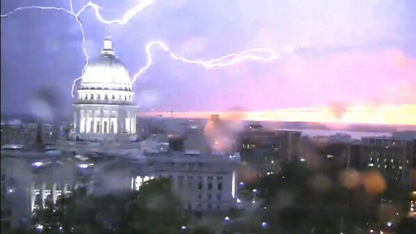 Captured this photo of the Capitol.#nbc15 http://t.co/OvPLB1fOGK