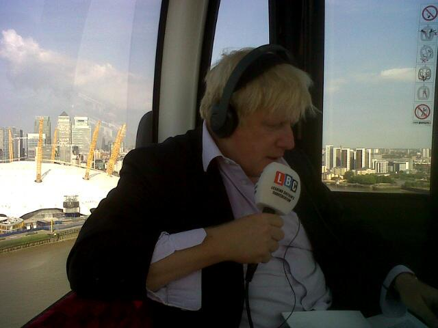 Beautiful morning on fantastic @EmiratesAirLDN for @LBC #AskBoris - great views & carried >3.9m passengers in 2 years http://t.co/0Scc2vP4NG