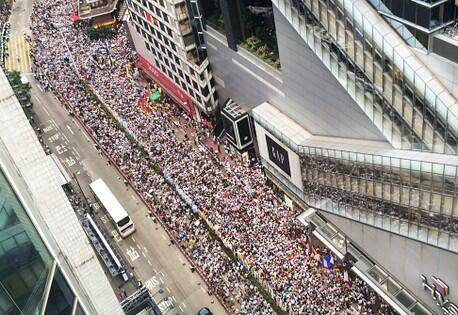 Wow RT @WSJAsia: Hong Kong could see one of the biggest protests in its history http://t.co/nEopC8GbD7 http://t.co/a25UQ3uPBK