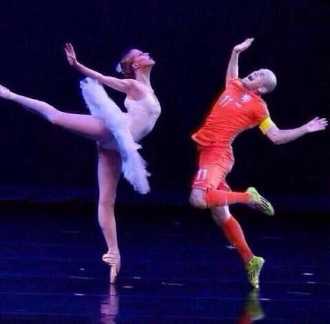 TRANSFER LATEST; Arjen Robben signs for the Royal Ballet..#nutcracker http://t.co/h1xpD5hnR5