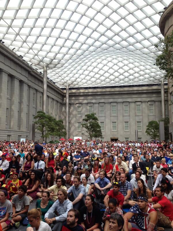 (Epic crowd at Smithsonian @americanart @NPG for USA v Belgium #WorldCup http://t.co/a2F7Ub9pKN