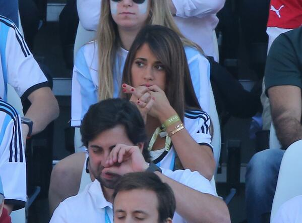 Lionel Messi was cheered on by girlfriend Antonella Roccuzzo & son Thiago against Switzerland [Pictures]