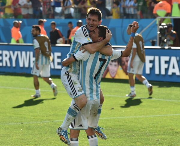 ARGENTINA ADVANCES! Messi creates the game-winner for Ángel Di María in 118th minute as #ARG beats #SUI, 1-0. http://t.co/6TFYlXPyfW