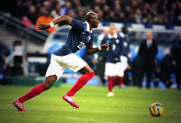 Porto accept €40m offer for Eliaquim Mangala from Man City, Chelsea still interested [LEquipe]