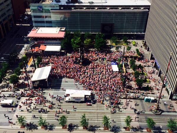 Thousands on fountain square to support team USA. Come join us 3-7pm http://t.co/iHVdGR2WK6