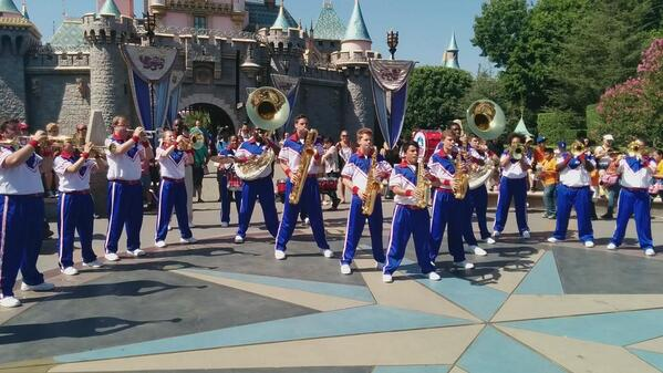 Awesome performance by the All-American College band @DisneylandToday http://t.co/fr1HUwR3VH