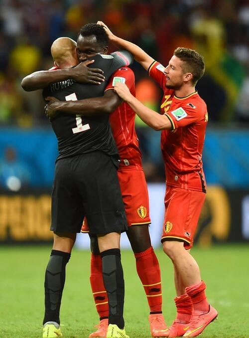 Foto van de avond. #belusa RT @TSBible: Great photo!! http://t.co/lMPA70PNW6