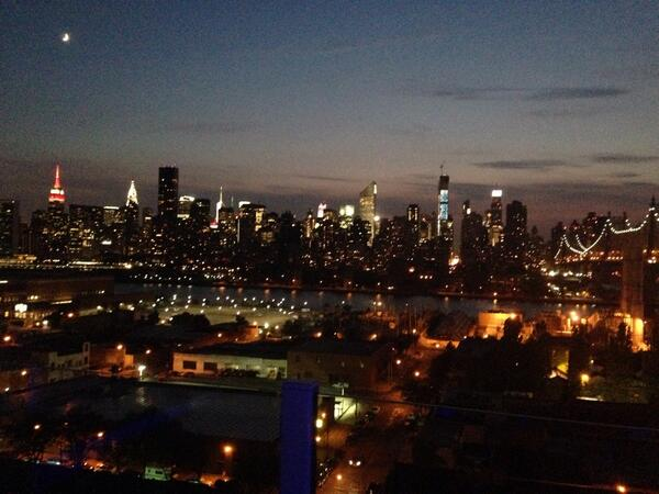 I just LOVE #summernights in #NYC. http://t.co/IYjyixnHUL