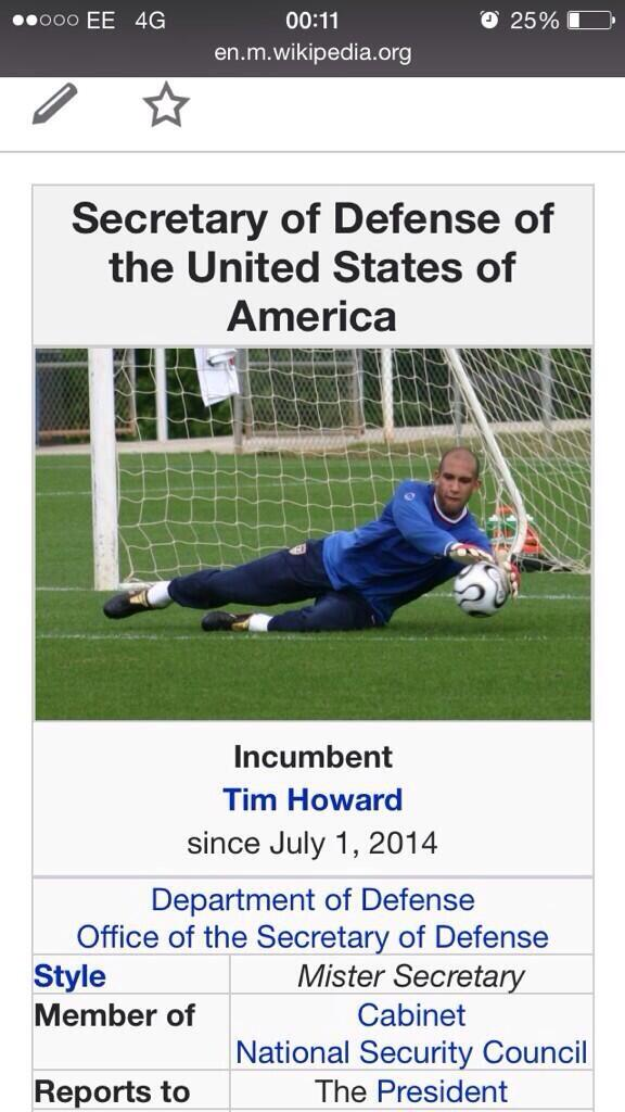 "😂😂😂 ""@FootyHumour: Someone changed the US Secretary of Defence on Wikipedia to Tim Howard. http://t.co/vuWZ4wjxtQ"""