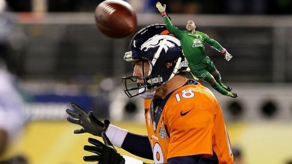 Para fãs de NFL e que acompanharam EUA X BEL ontem. RT @PeytonsHead: #ThingsTimHowardCouldSave http://t.co/UxqSnPiXjh