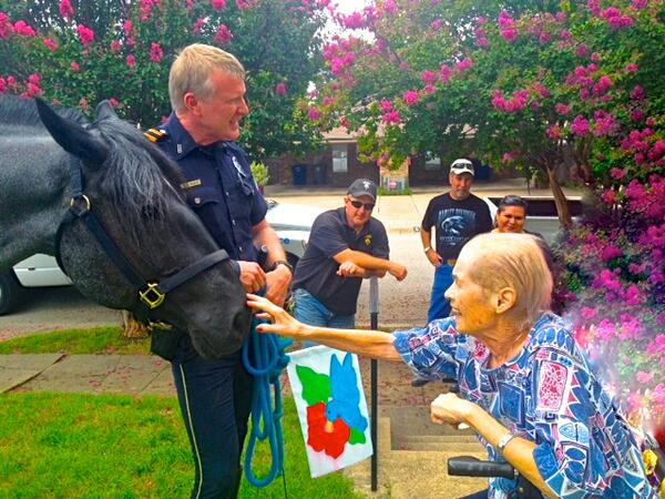 Highest kudos to Mounted's Bobby F & Eric K for their generosity to our beloved Bev @DPDChief @DallasPD http://t.co/9Bg9MkeJTi