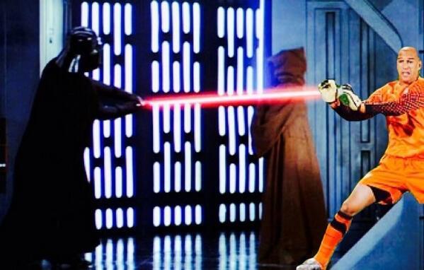 #ThingsTimHowardCouldSave ... Obi-Wan's Life. #TimHoward #TimHowardSaves http://t.co/1QVJtOI4Bj