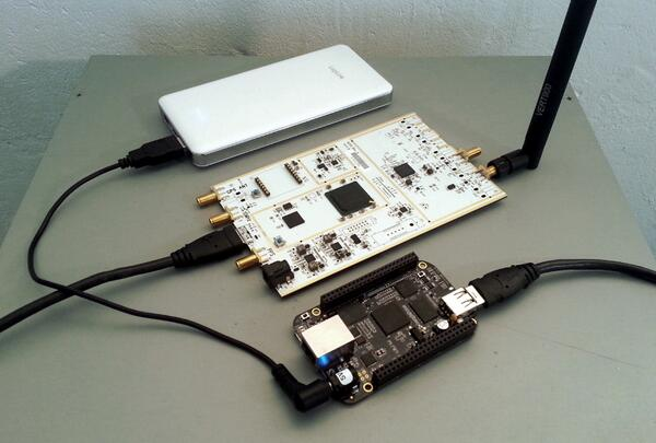 Make your own GSM basestation: @beagleboardorg #BeagleBoneBlack &  @EttusResearch USRP B200: http://t.co/9t7CySvKXA http://t.co/Ta7pghPH86