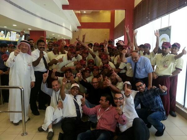 Albaik On Twitter فرحة وحماس أعضاء الفريق بمناسبة افتتاح مطعم البيك في طريق مكة القديم كيلو 11 Http T Co Ytsb97wghm