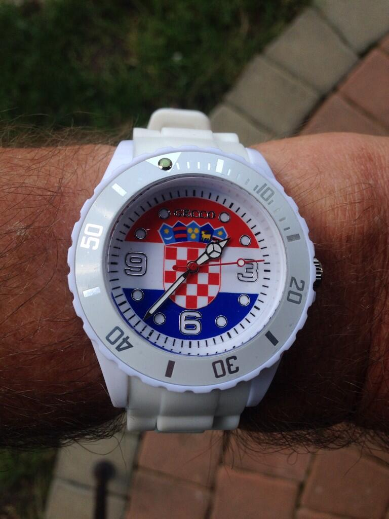 Check out my groovy new £7.50 watch. http://t.co/I2PsEB3EVr