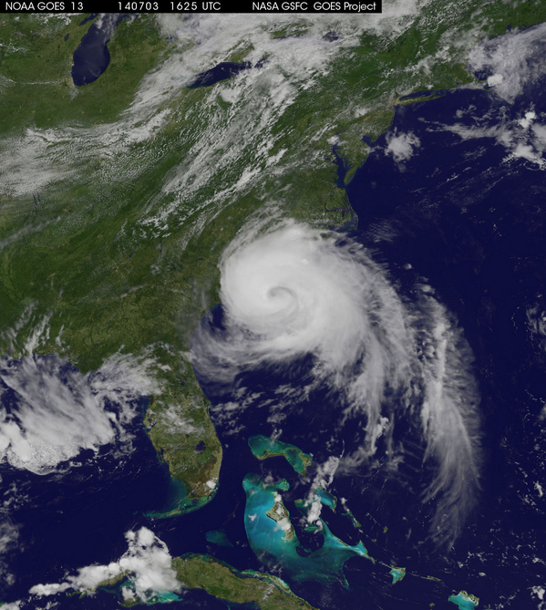 #Arthur via GOES imagery as of 20 minutes ago. Hurricane force winds extent 25 mi out, tropical storm winds 115 mi. http://t.co/ocZfErQATq