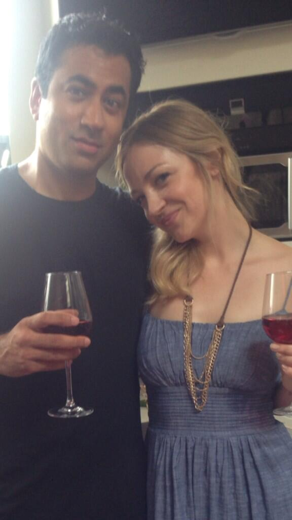 HIMYM update: Kevin & Jeanette happy in their new home #HIMYM @kalpenn http://t.co/Jh2HKHfhMu