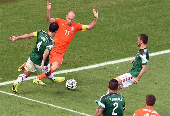 Mexico fans still angry at Arjen Robben can beat up the Holland winger in pinata form [Metro]