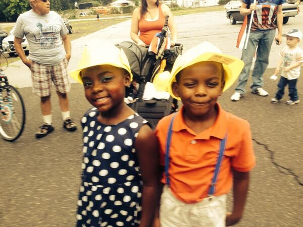 #Pottstown friends at #4thofJuly parade. http://t.co/34G3PXxuNj