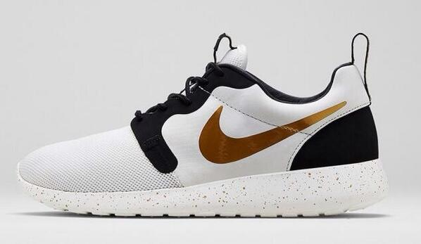 8183eceb6ff6 sale rosherun hyp prm qs gold trophy pack 669689 100 walmart 56b2b 1c61e   official store moresneakers on twitter still almost a full size run of the  nike ...
